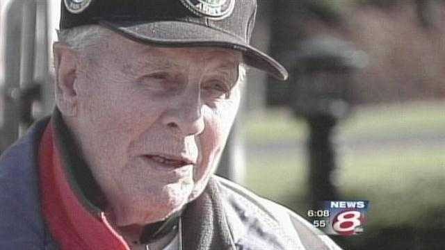 News 8's Steve Minich talked to a 91-year-old World War II veterans as Americans honor Veterans Day.
