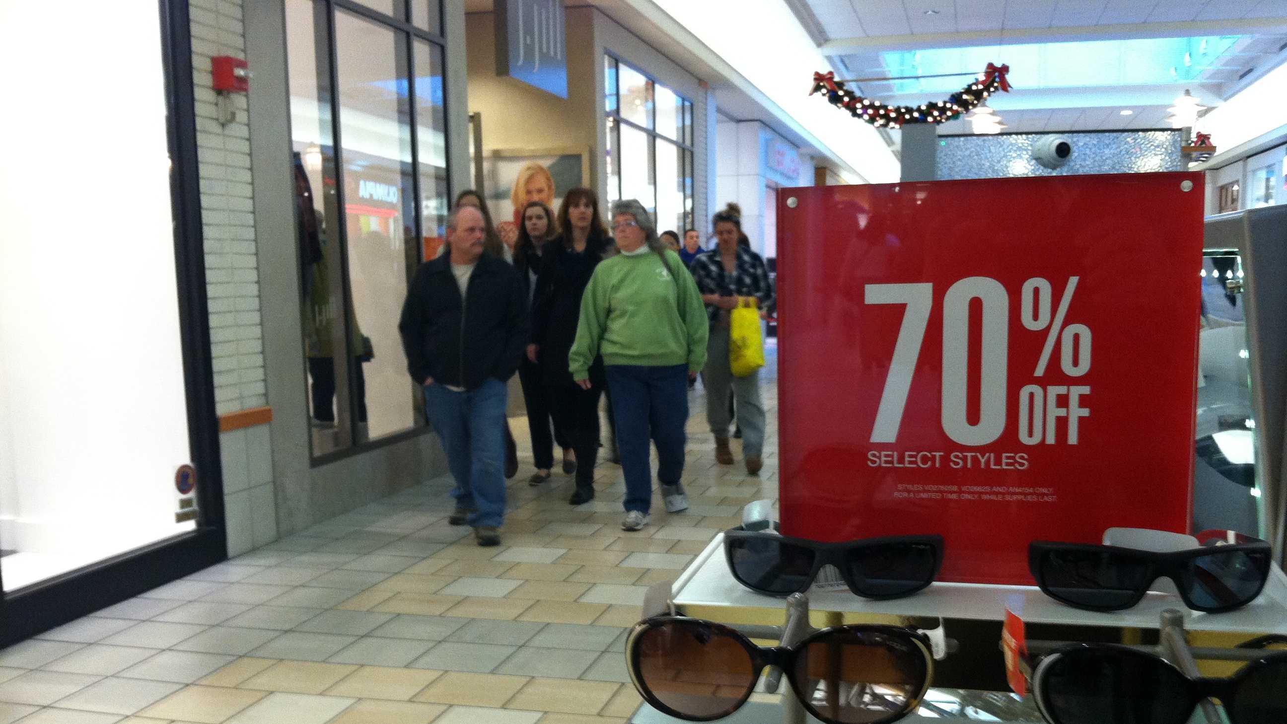 black friday mall 5.JPG