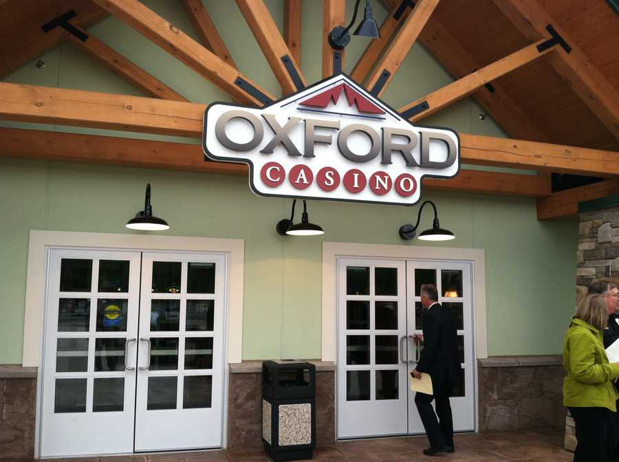The Oxford Casino opened on June 5, 2012 with twelve table games and 529 slot machines.