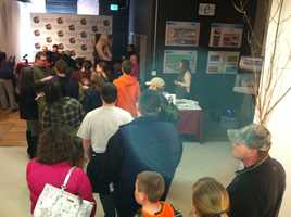 """Long lines at Prose Gallery in Lewiston to meet """"Survivorman"""" Les Stroud"""
