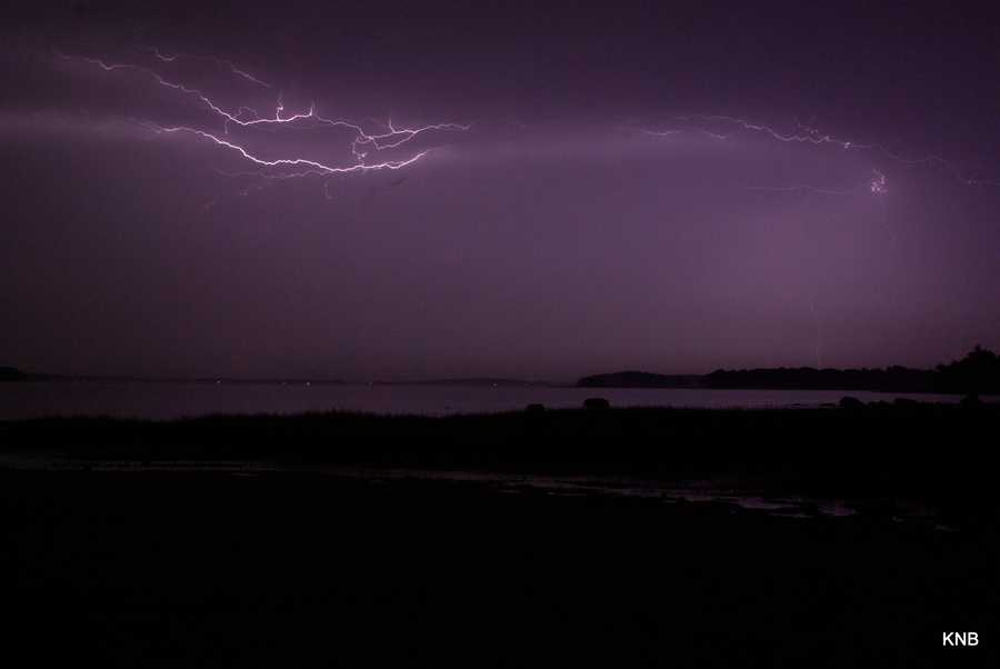 U local user Keith Bobrowiecki sent us these pictures from Sandy Beach on Cousins Island