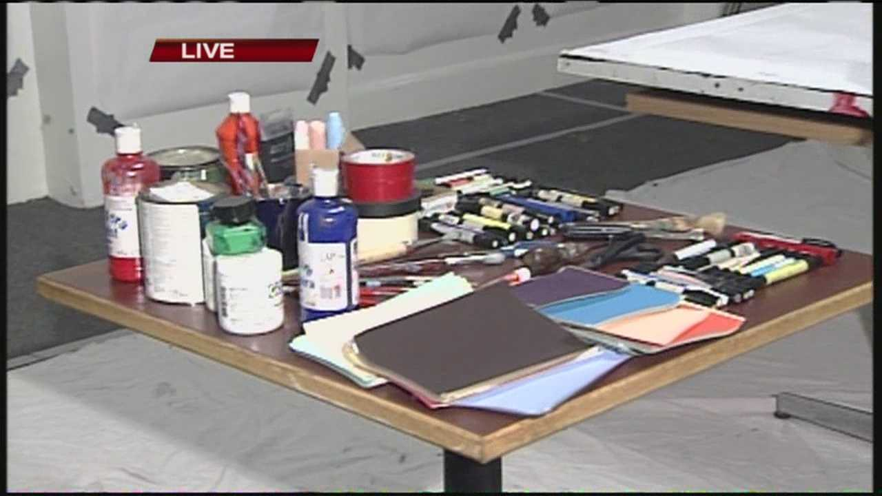 """Portland's first Friday Art Walk is a free, self-guided tour of the city's museums, art galleries, studios and alternative art venues held on the first Friday of each month. One venue is hosting a """"Marathon of Art"""" to take part and raise money to keep its doors open. WMTW News 8's Thema Ponton reports."""