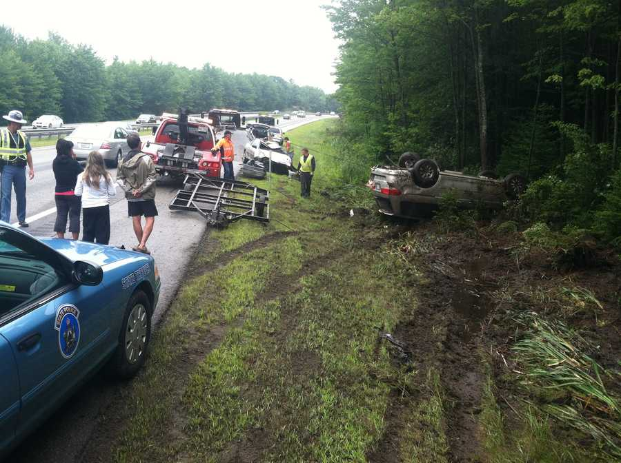 Police say one person was hurt when a car and minivan crashed on Interstate 295 in Freeport Friday morning.