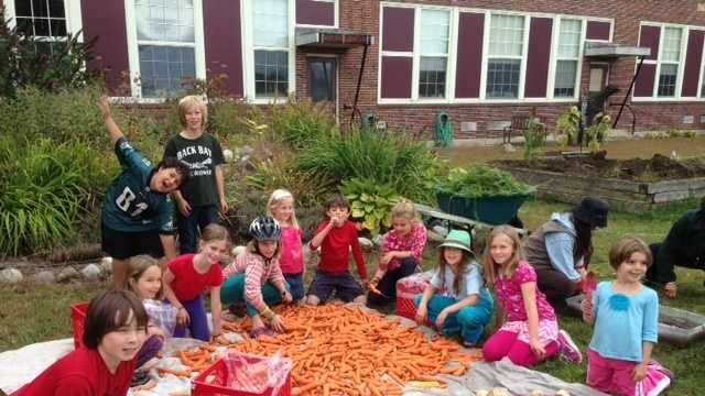 Harvest 2013 - group2.JPG