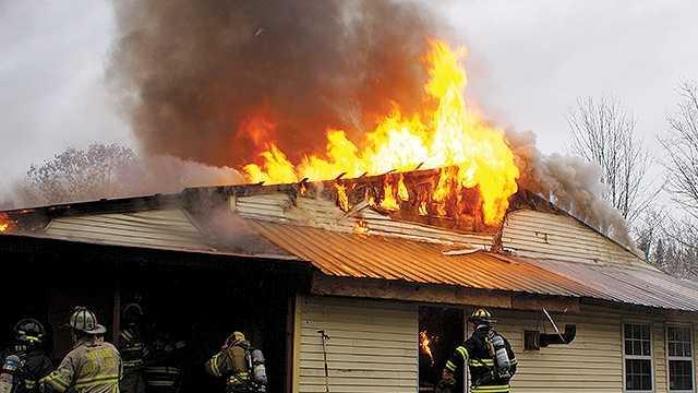 Firefighters battle blaze in Oxford