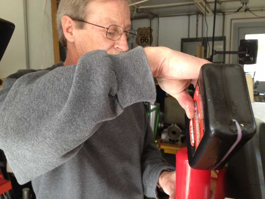A Maine man says he has invented a device that can heat the average 3-bedroom home for $120 a month.
