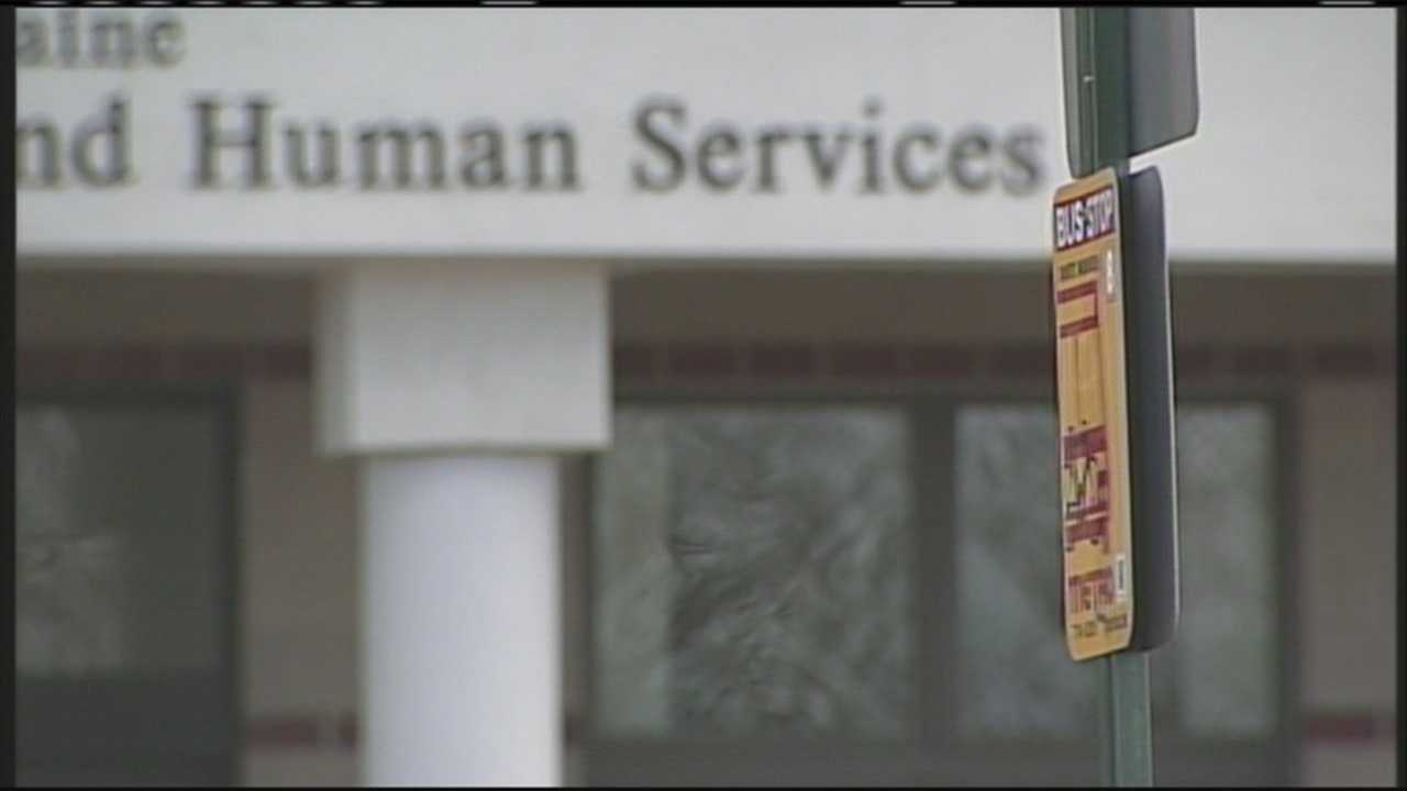 Groups protest DHHS office move from Portland