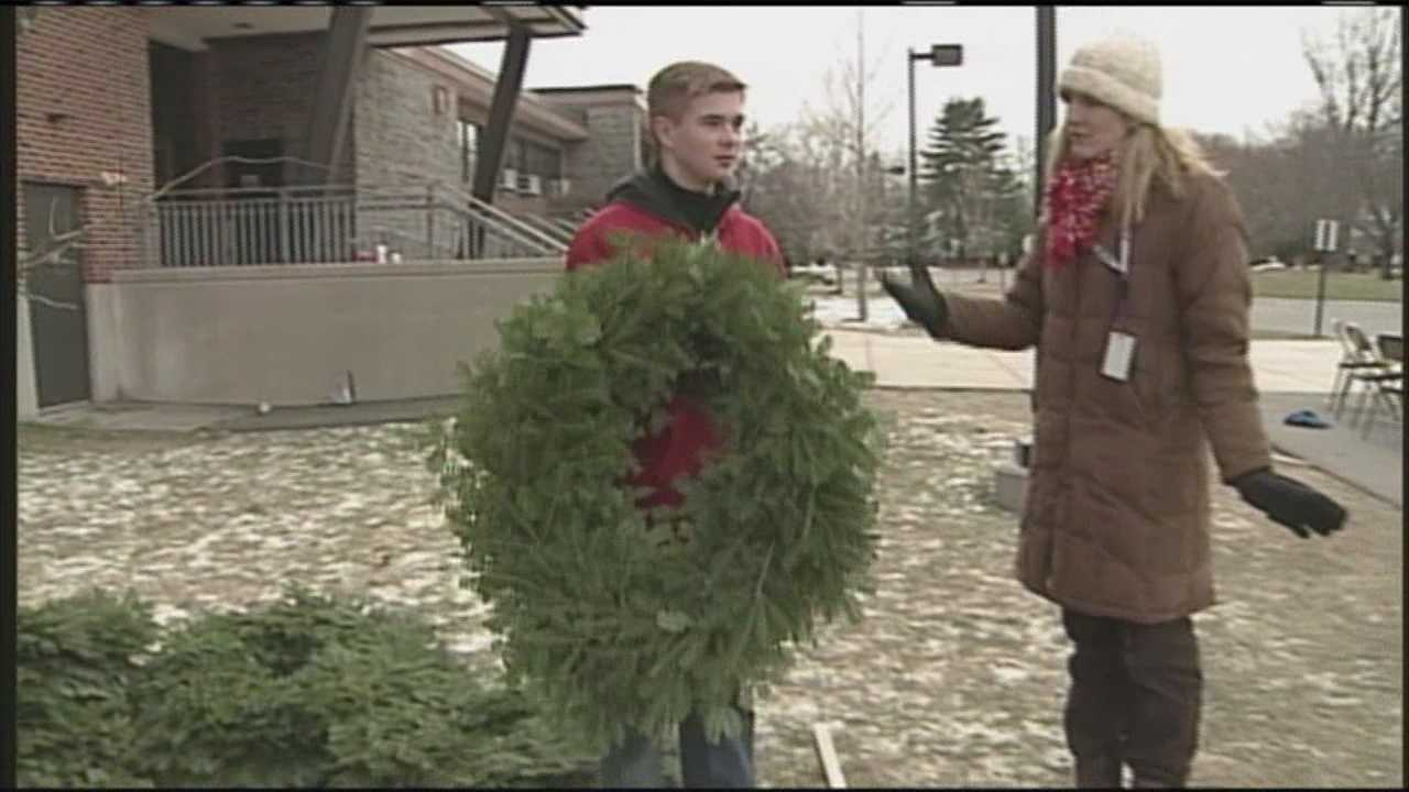 PORT img-Cheverus High School sells wreaths for Haiti
