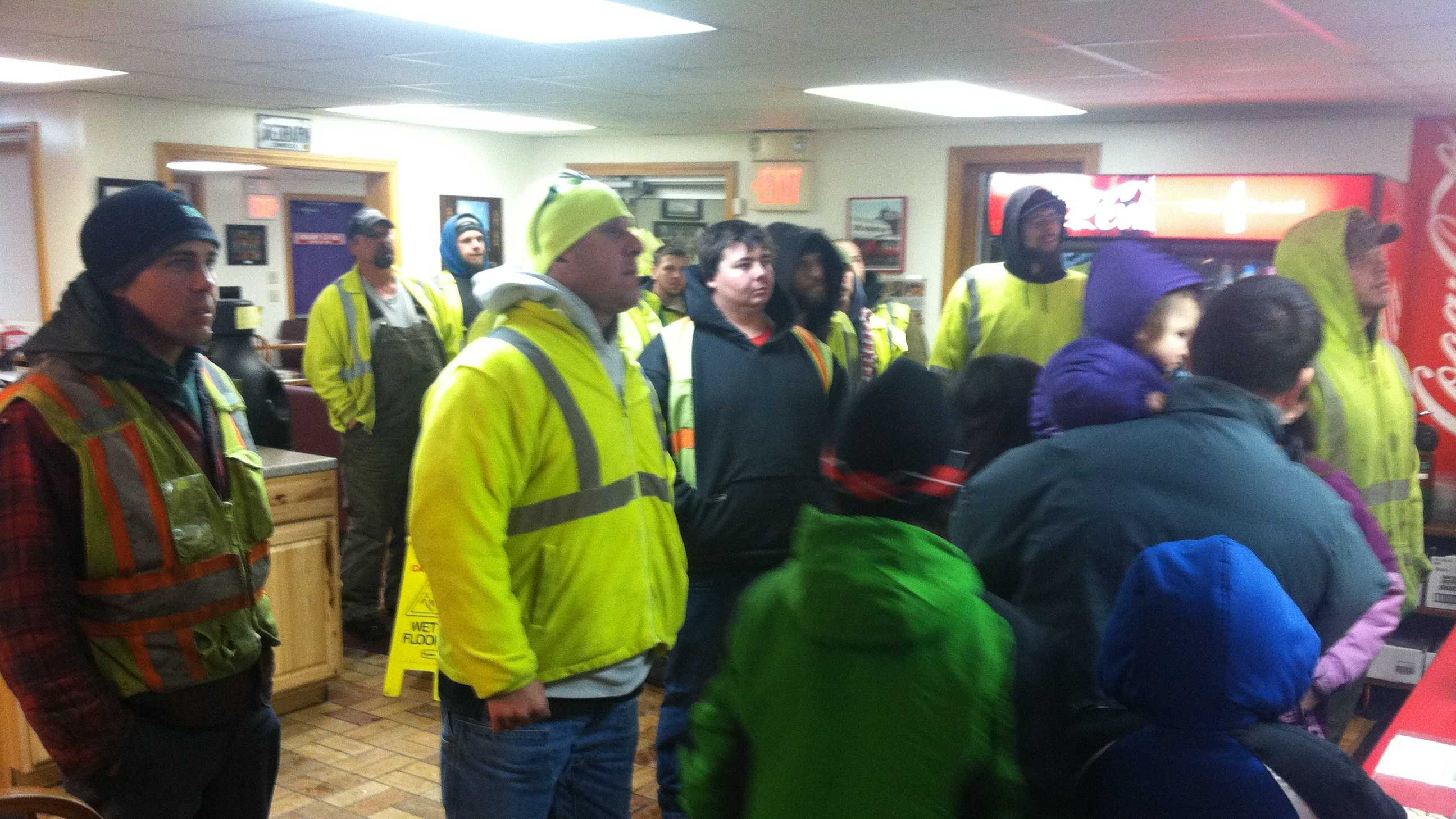 Augusta restaurant thanks workers with free meal
