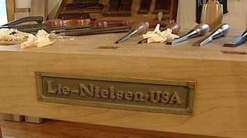One of Lie-Nielsen's heirloom tools costs $100-$400. The company produces nearly 40,000 tools a year.