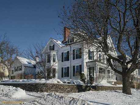 This beautiful $2.2M Portland home is three bedrooms, five bathrooms, over 6,000 sq ft, and an attached carriage house with additional bedrooms and bathrooms. The home is featured on realtor.com.Location: 22 Eastern Promenade, Portland, ME 04101