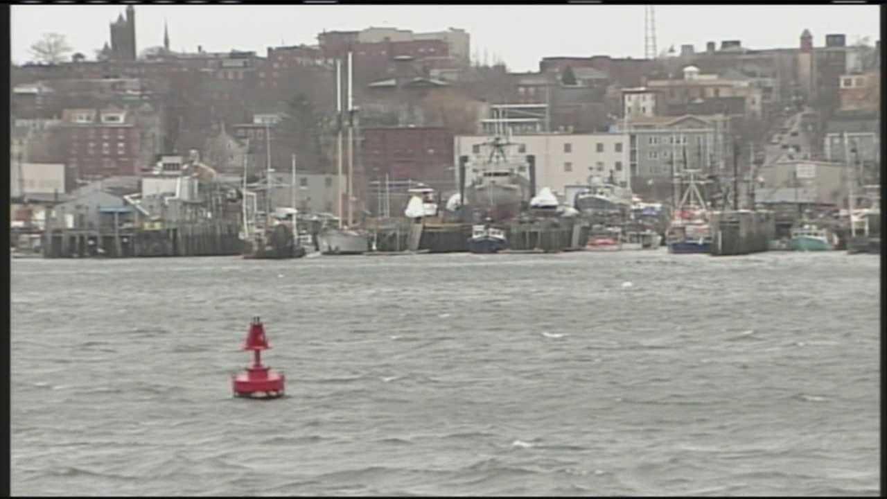 Coast Guard issues wind warning
