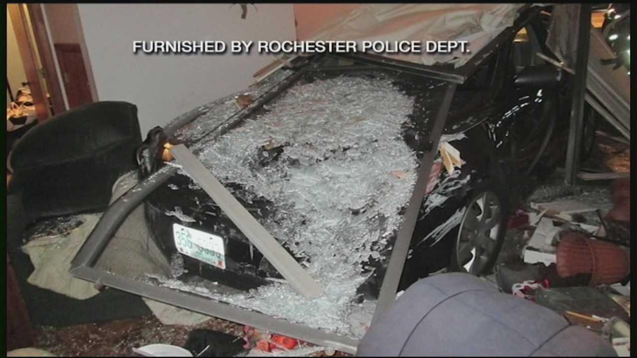 Car crashes into Rochester home