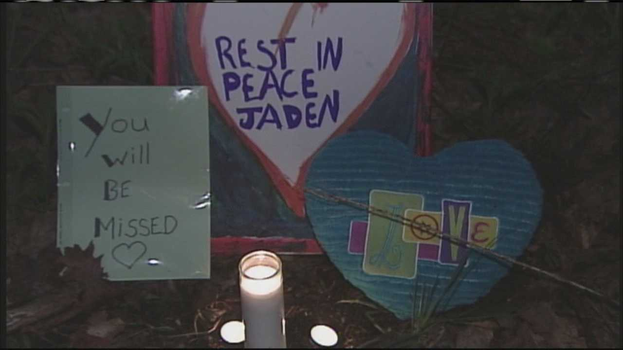 The North Waterboro community has come together to support Jaden's grieving loved ones. WMTW News 8's Aly Myles reports.