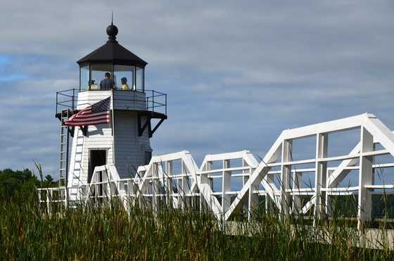 Doubling Point Light Station