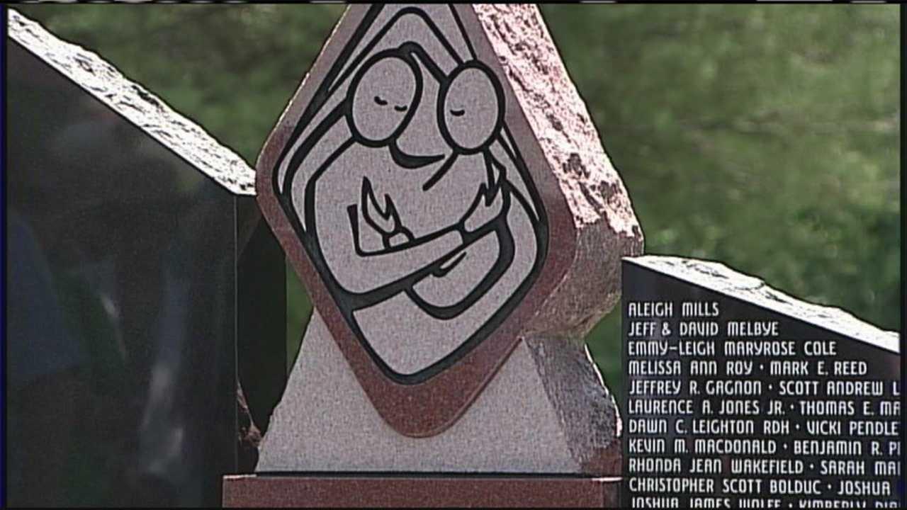 Memorial built to honor murder victims