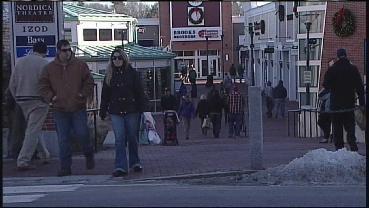 Crowds and the sounds of the holiday season filled Freeport on Saturday as Mainers got in some last-minute shopping.