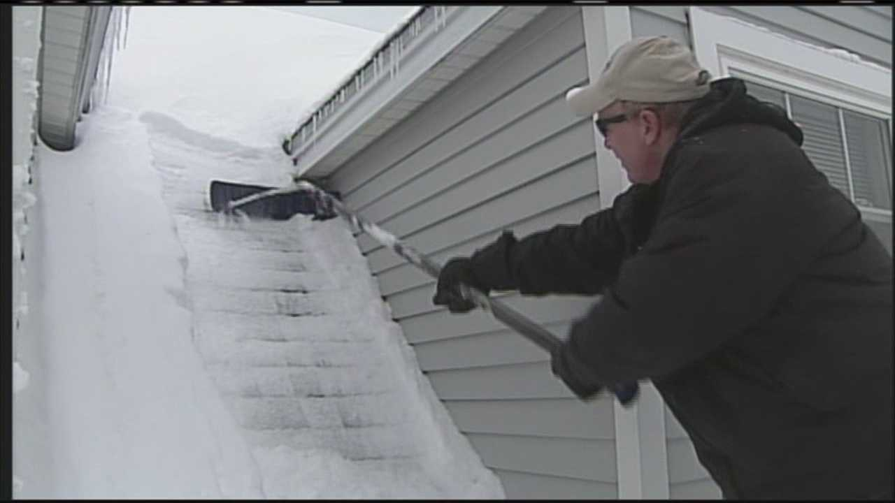 A few inches of snow could mean thousands of additional pounds on a roof. WMTW News 8's Kyle Jones reports