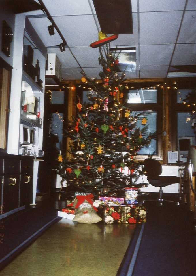 Flash forward to our Christmas tree theme for December 1998.