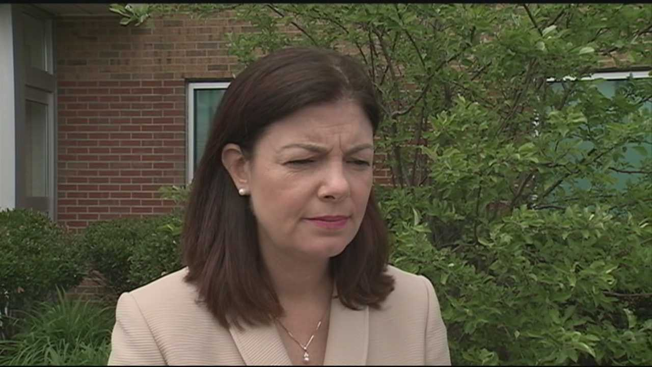 U.S. Sen. Kelly Ayotte is calling on U.S. Rep. Frank Guinta to resign in the wake of his deal with the Federal Election Commission that admits to breaking campaign finance laws.