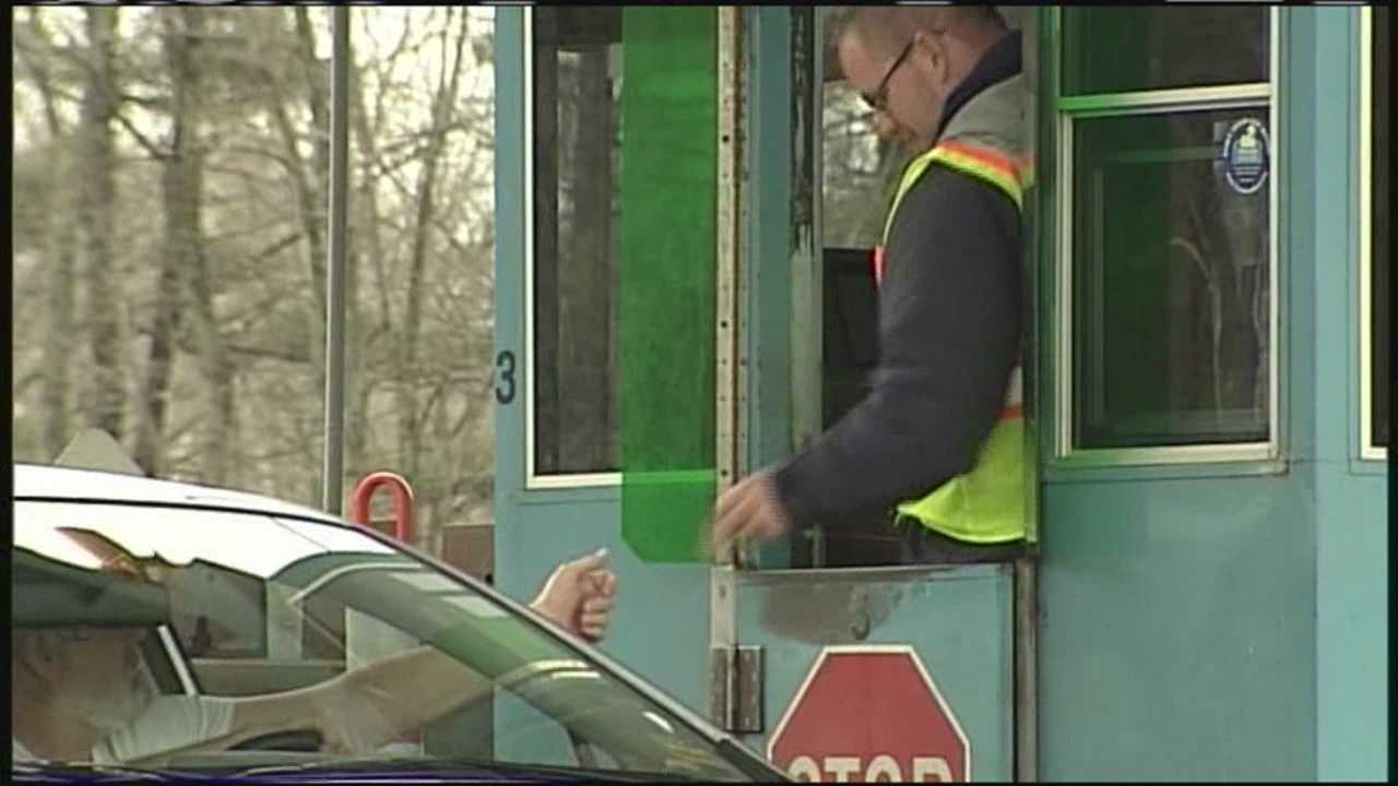 The MTA wants to move the York Toll Plaza to mile 8.8. WMTW News 8's Paul Merrill reports