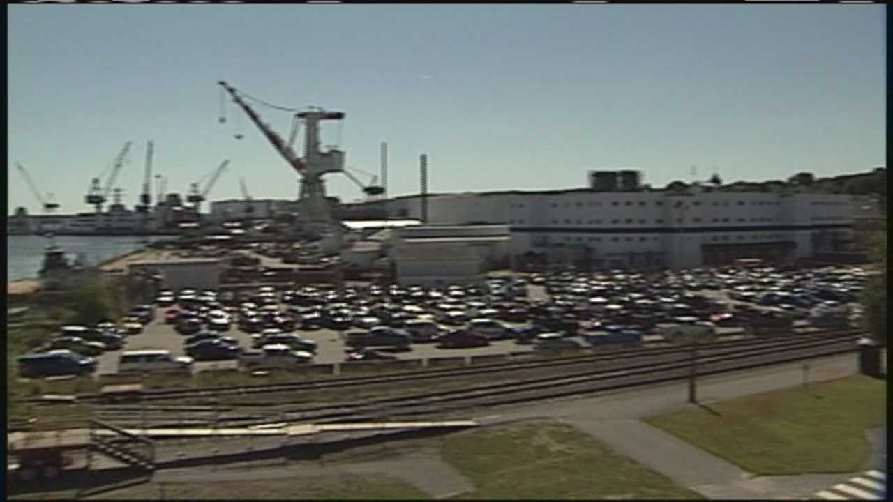 Members of Bath Iron Works machinists union Local S6 approved a new contract Sunday.