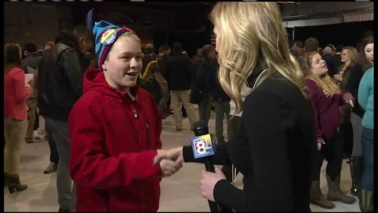While on the campaign trail, WMTW News 8's Katie Thompson learned for die-hard politicos, it's all about the handshake.