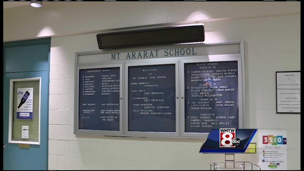 15 year old charged after leaving threatening message at Mt. Ararat school