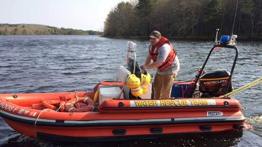 Six rescued from androscoggin river after initial rescue for Greenes boat and motor