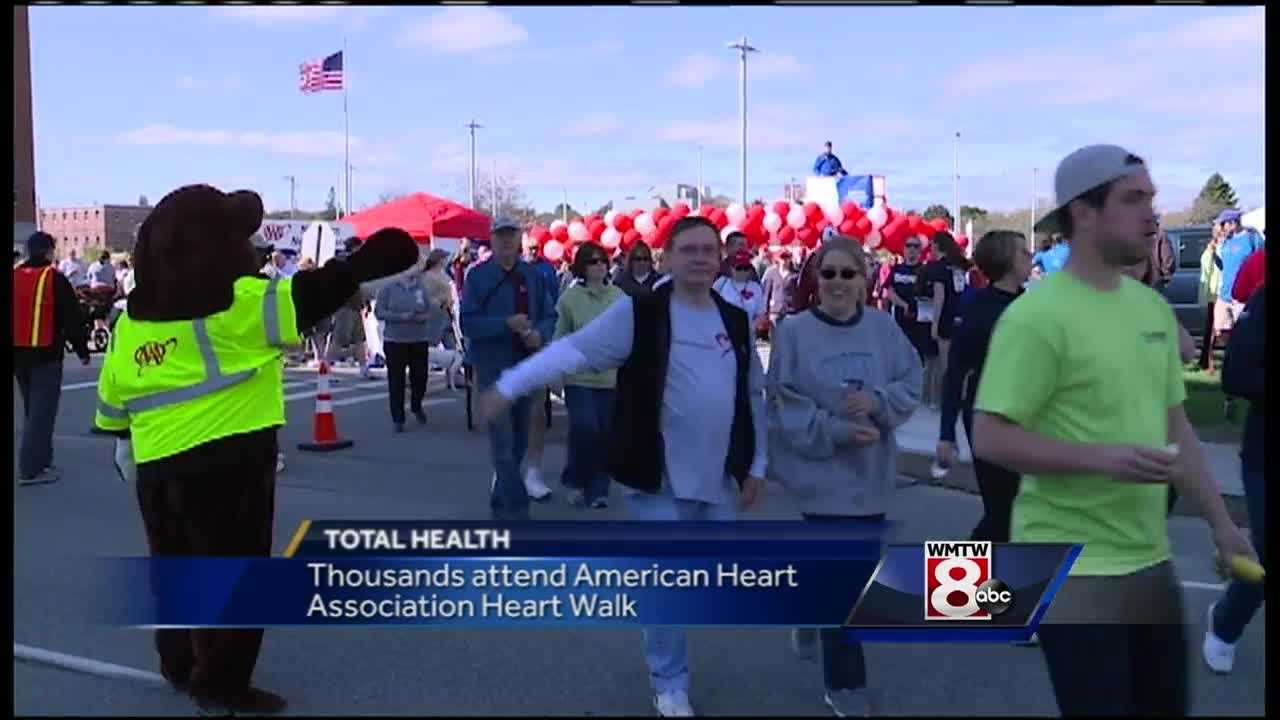 Hundreds of runners and walkers hit the trails around Portland's Back Cove to raise money in the fight against cardiovascular disease and stroke.