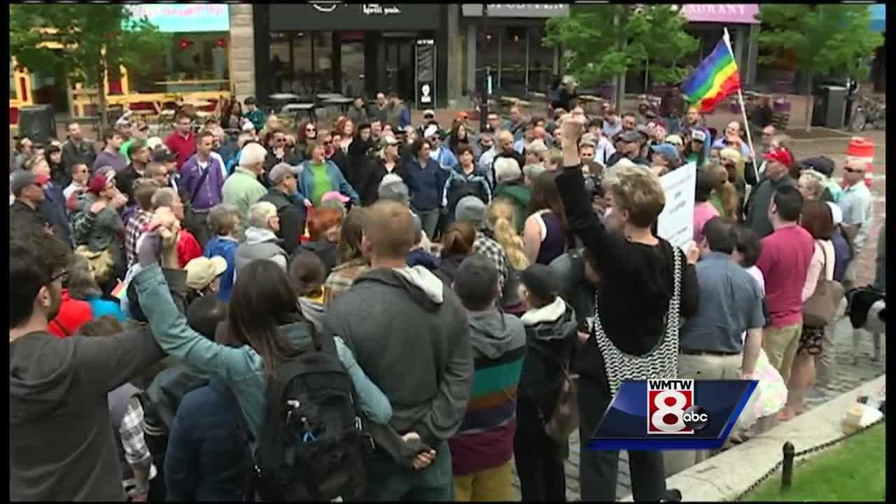 Mainers held a vigil Sunday night in Monument Square to mourn the Orlando shooting together.
