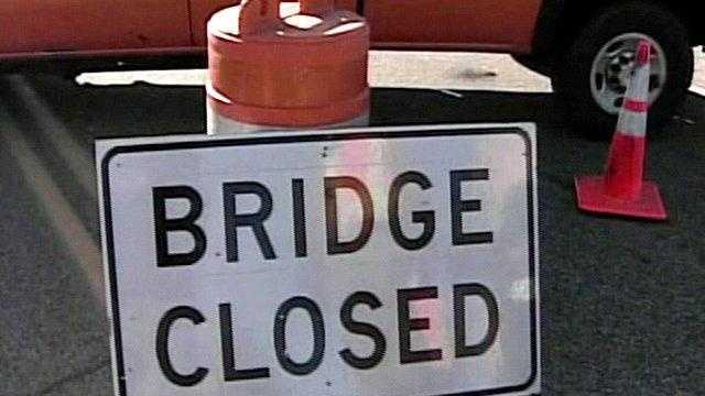 Memorial Bridge Closed Sign