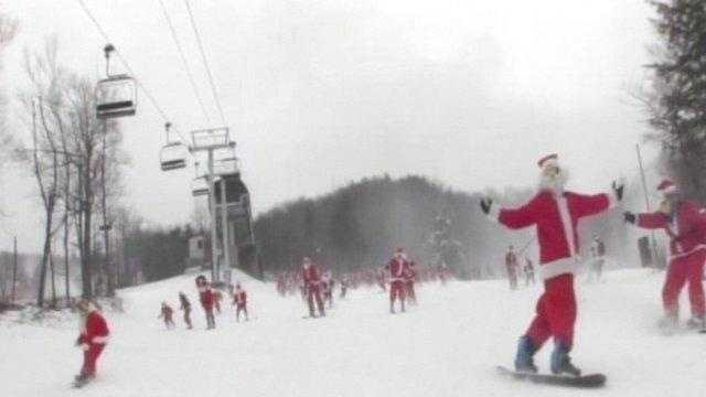 Skiing Santas