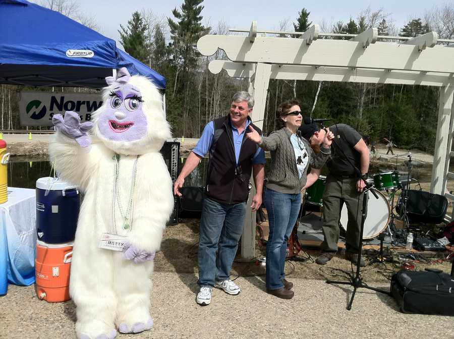 Betty the Yeti, News 8's Steve Minich and Lori Vorness of Q 97.9 judged the costume contest.