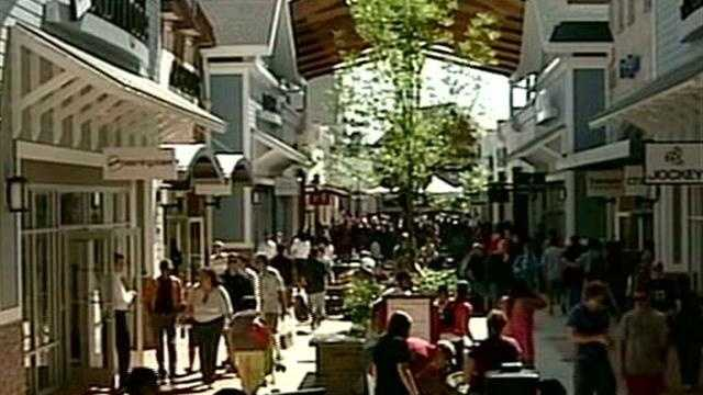 "Droves headed out to the brand new ""Merrimack Premium Outlets"" for opening weekend there, while just down the road at the Anheuser-Busch brewery, ""Rock'n Ribfest"" also drew crowds."