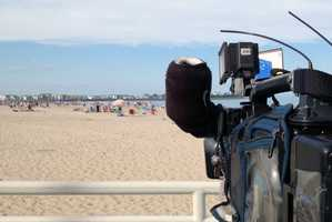 5:27 pm: Reporter Jennifer Gannon and photographer Jon Arnold head to Hampton Beach to get video