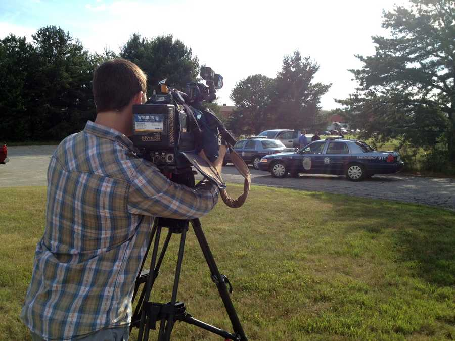 5:57 pm: Reporter Adam Sexton and photographer Walker Smith are sent to Nashua, where a man was found dead from a gunshot wound.