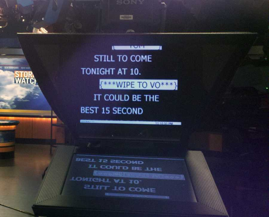 10:19 pm: A look at the prompter.