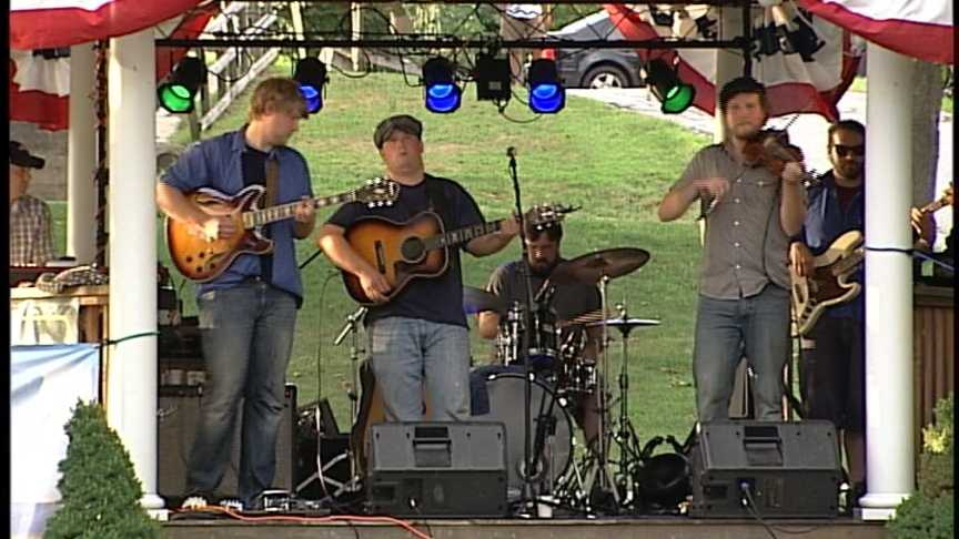 Monday August 6th: Dusty Gray Band