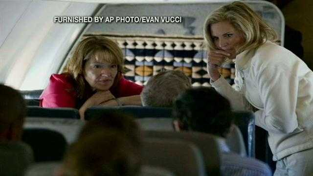 A New Hampshire woman was on board Ann Romney's plane when it filled with smoke Friday and was forced to make an emergency landing. Jean Mackin reports.