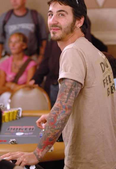 Sully Erna is the singer and primary songwriter for the band, Godsmack. Born in Lawrence, Mass., Erna currently lives in southern New Hampshire.In 2010, Erna was involved in a car accident, in which a 25-year-old woman riding in another car was seriously injured.