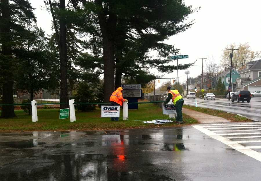 A viewer sent us this photo saying it shows City of Nashua employees clearing yard signs on Amherst Street in preparation for the expected high winds.