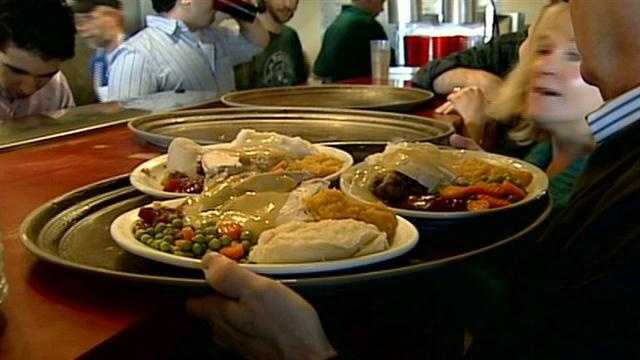 Concord restaurant serves free Thanksgiving dinner