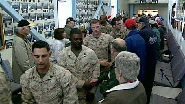 Soldiers arriving in New Hampshire on Christmas Eve got a special surprise.