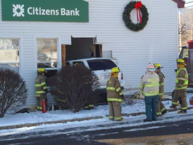 An SUV crashed into the side of a Citizen's Bank in Lincoln on Wednesday morning.