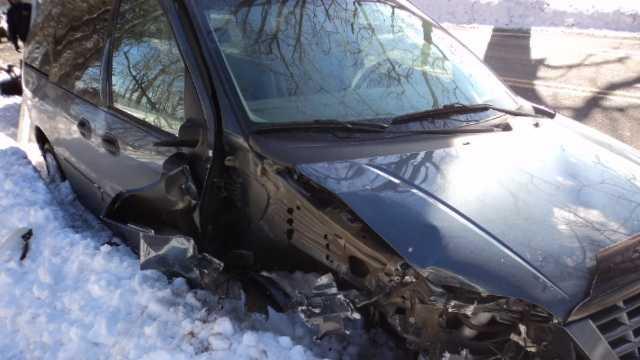 Man accused of driving drunk, crashing van with kids inside