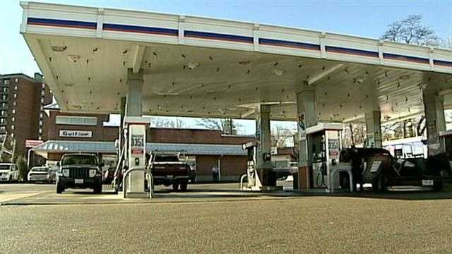 Lawmaker proposes gas tax increase