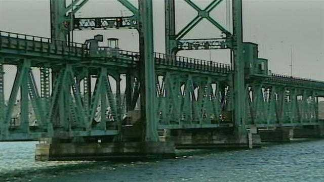 Bridge failure snarls road, river traffic
