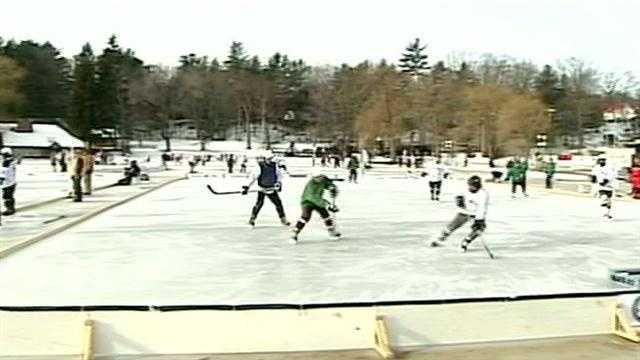 Pond hockey players take advantage of cold