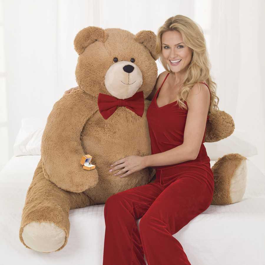 The Vermont Teddy Bear company unveils $30,000 teddy bear.